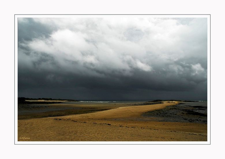 Vakantie... - nou ja niet echt vakantie maar klusvakantie in Bretagne.<br /> De komende vier weken zal ik maar heel af en toe zoomen omdat ik zondag