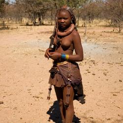 Ongetrouwde Himba vrouw