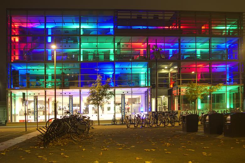 ED  Glow  - Maandag naar Glow in Eindhoven geweest , het viel een beetje tegen ten opzichte van verleden jaar, maar het  was  druk druk druk.<br /> d