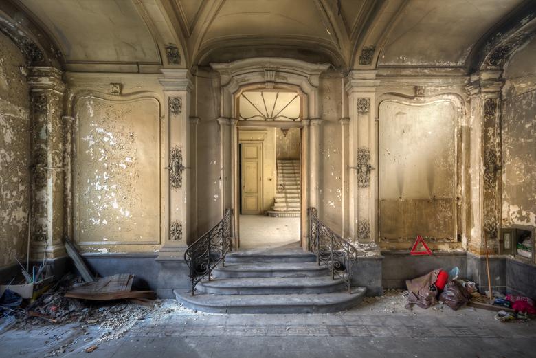 Chateau Venetia - Prachtig verlaten en vervallen pand met een deftige uitstraling.