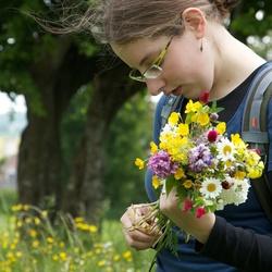 Barbara flower picking 07