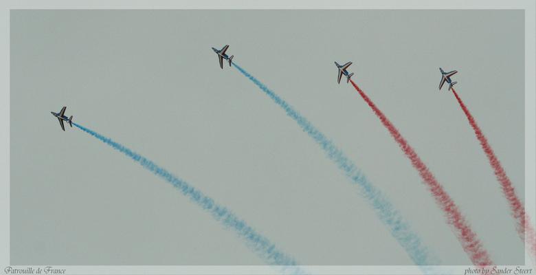 Patrouille de France - Vliegshow van de mensen van patrouille de France te vliegbasis Leeuwarden