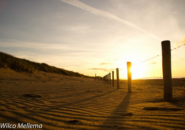 Sunset beach - Zonsondergang op het strand van Kijkduin in Den Haag.