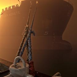 olie tanker in de mist