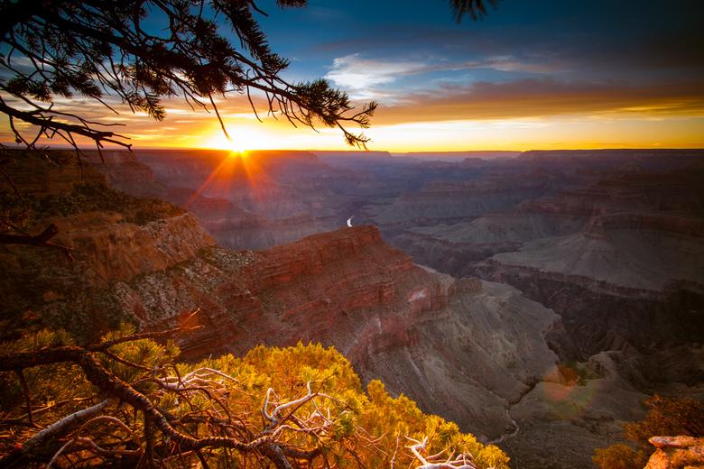 Canyon sunset - Uitzicht op zonsondergang in de Grand Canyon, USA.