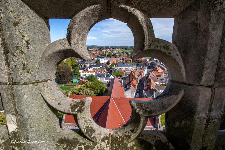 Doorkijk Sint-Hermes kerk - Jaarlijks kan men op de Open Monumenten dag de kerktoren van de Sint-Hermes kerk in Ronse betreden , het zicht is adembene