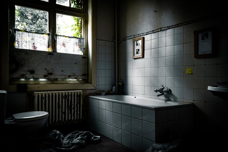 Take a bath, nobody will see - Zou jij het bad vol laten lopen en relaxt onderuit gaan liggen? Deze dag had ik veel geluk, de zon scheen volop door de