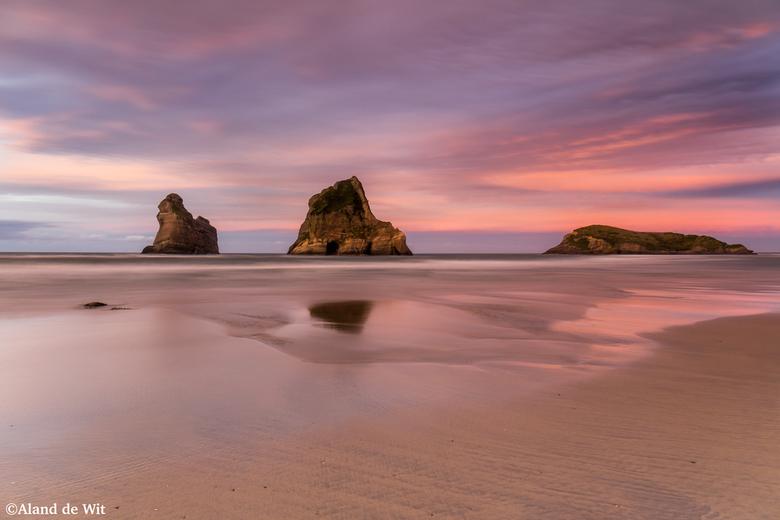 Wharariki beach Sunset - Mooi stukje New Zealand.<br /> Wharariki Bach, Farwell Spit, Zuidereiland.<br /> <br /> Iso 50<br /> F11<br /> 15 second