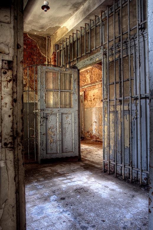 """Russian Sanatorium 9/9 - Dit is de laatste foto uit deze serie.<br /> De hele serie kun je bekijken via deze link: <a href=""""http://www.lost-in-time-u"""