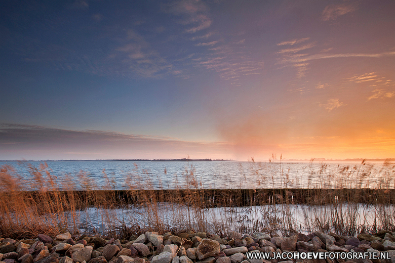 18 december 2013 - Zonsondergang bij de Belterwijde.