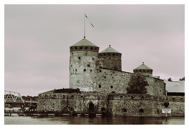 Savonlinna - Het kasteel in Savonlinna in Finland uitgevoerd in duotone.
