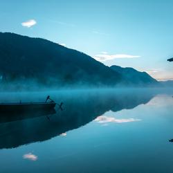 Vroege ochtend aan de Weissensee