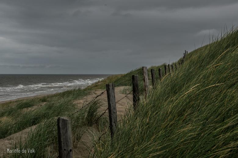 Onstuimig aan het strand - Tussen alle mooie dagen die we al hebben gehad, zit er helaas ook af en toe een wat onstuimige dag bij.