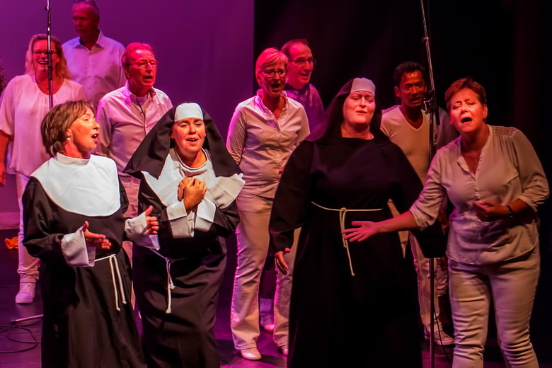 Ameezing Alphen -2- - Sister Act