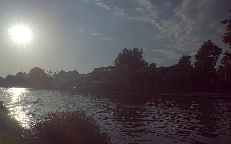 Silhouet aan de rijn - Zonsondergang aan de rijn