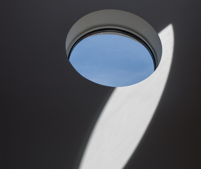 9 - Fijn licht in de bioscoop, detail van 1 van de ramen