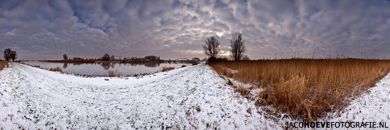 Panorama van Hasselt (1) - Genomen op donderdag 17 januari 2012 in Hasselt (Overijssel)