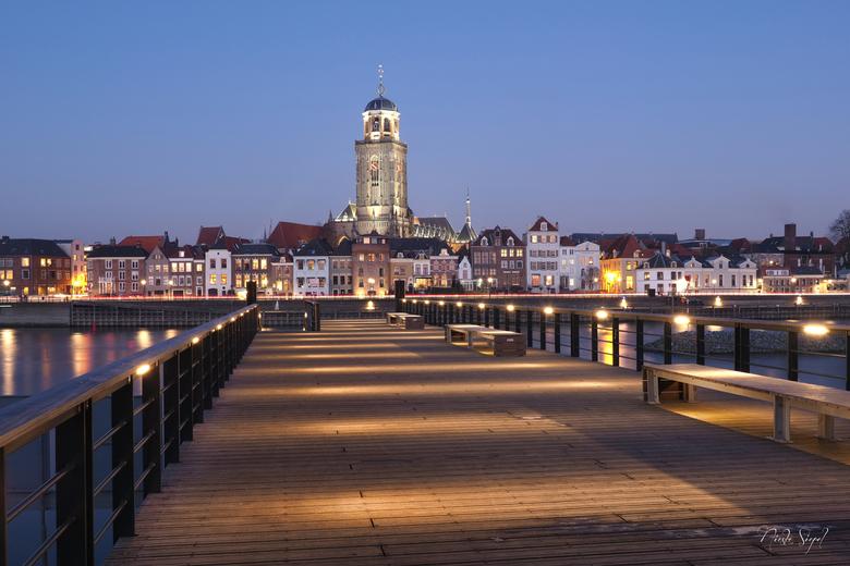 Deventer.... - Stad van Anita (Manl) van Charles Dickens, boekenmarkt en Deventer op stelten!! Dank je Anita dat je ons een korte rondleiding door de