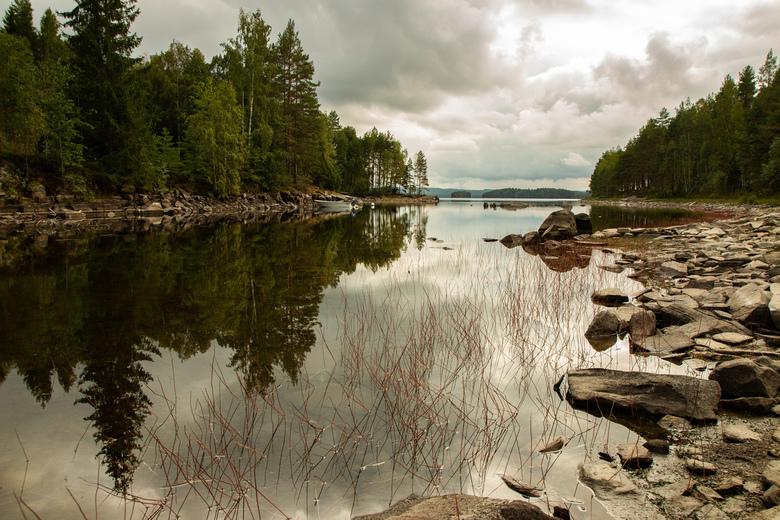 Weerspiegeling - Nog zo&#039;n prachtig uitzicht op een meer in Zweden. <br /> Het was helemaal windstil wat een prachtige weerspiegeling gaf in het