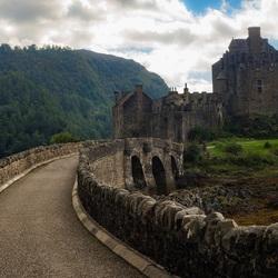 Oprit naar Eilean Donan Castle