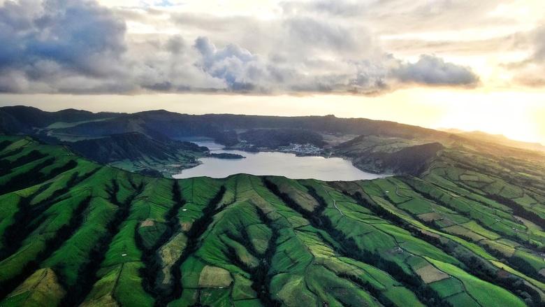 Sao Miguel - De omvang van deze gigantische krater word pas echt duidelijk vanuit de lucht!