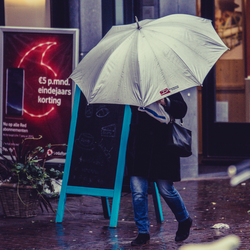 With a big umbrella you stay nice and dry