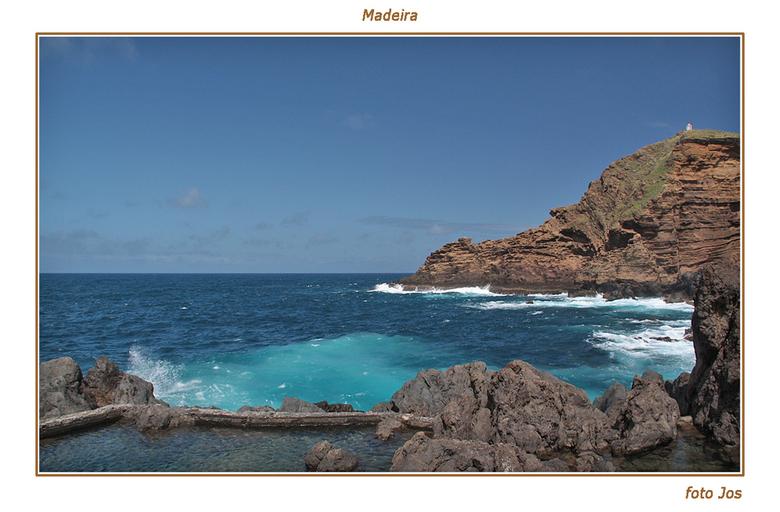 Madeira 4 - Het eiland Madeira is hemelsbreed slechts 65 km lang en zo'n 20 km breed. Toch is er een ontzettende tegenstelling. De kusten met hun
