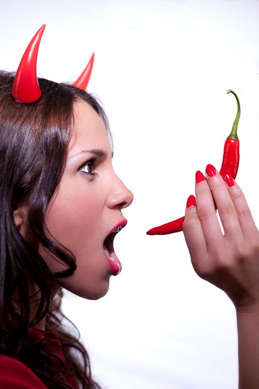 """Devilish Hot - Foto uit een reeks afbeeldingen t.b.v. styling- afstudeerproject, genaamd """"Sweet Revenge"""""""