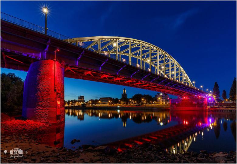 Arnhem John Frostbrug - Lest We Forget   Architectuur foto van ...