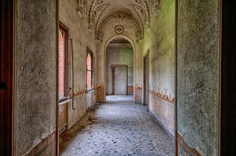 Castello R - Prachtig kasteel in verval