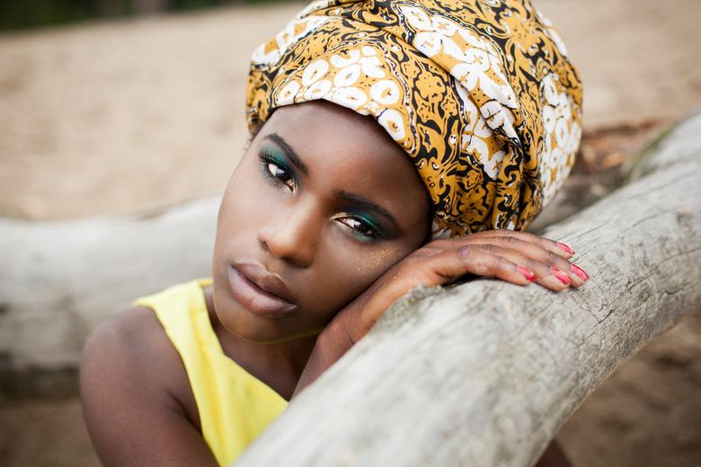 African girl - Ik houd heel erg van deze foto, haar blik is hier zo mooi!