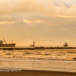 De kust van Hoek van Holland bij bijzonder weer