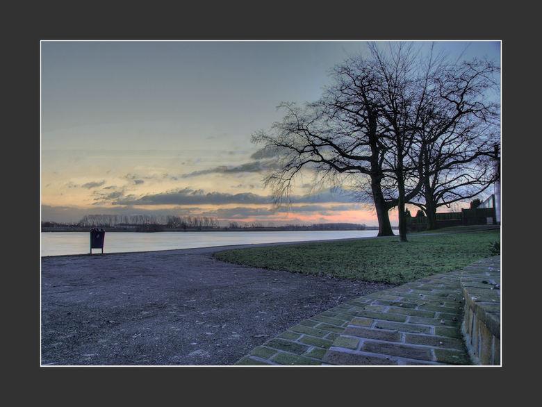 Morning Sun - Morning Sun<br /> <br /> Vanochtend gemaakt.<br /> <br /> 5 foto&#039;s op -2,-1,0,+1,+2<br /> ISO 100<br /> <br /> Daarna nog ie