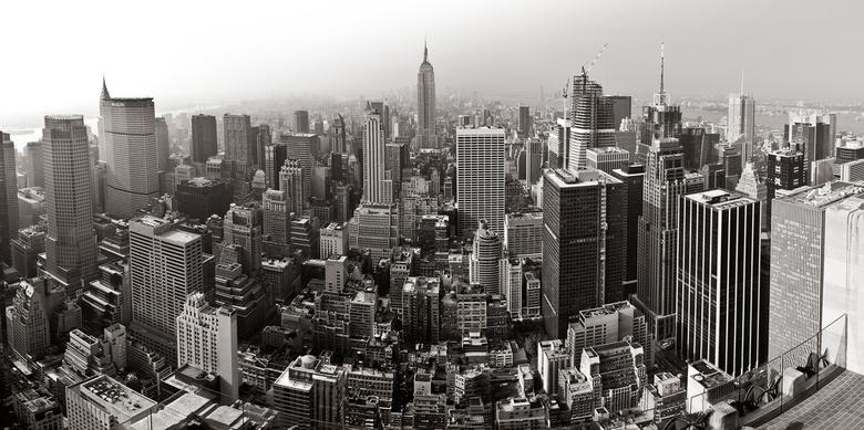 New York panorama - Panoramafoto bestaande uit 5 foto's verticaal genomen op 17mm. Het origineel is dan ook 7500 pixels lang (niet deze up-load).