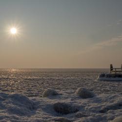 Een bevroren IJsselmeer vanochtend vroeg...