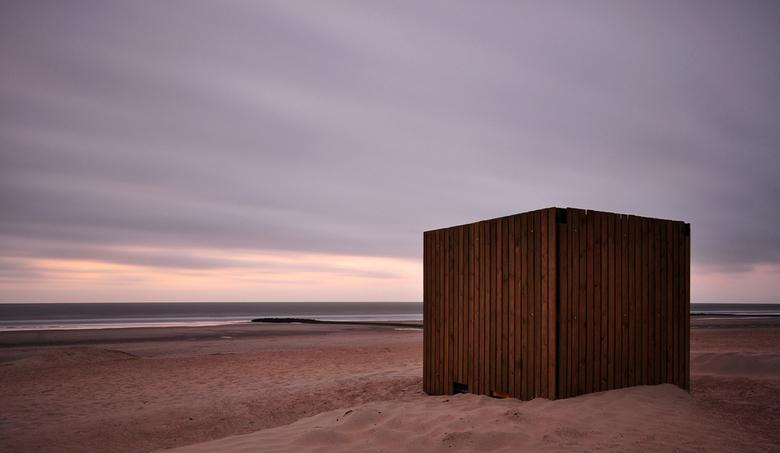 beach house  - op het strand stond dit gebouwtje