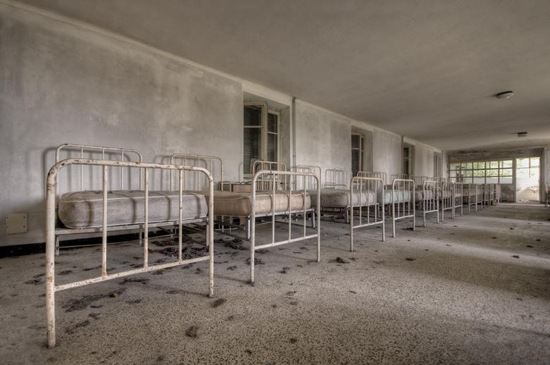 "Boarding-school - Een verlaten internaat.<br /> <br /> Gr. Daan<br /> <a href=""http://www.daanoe.nl"">http://www.daanoe.nl</a>"