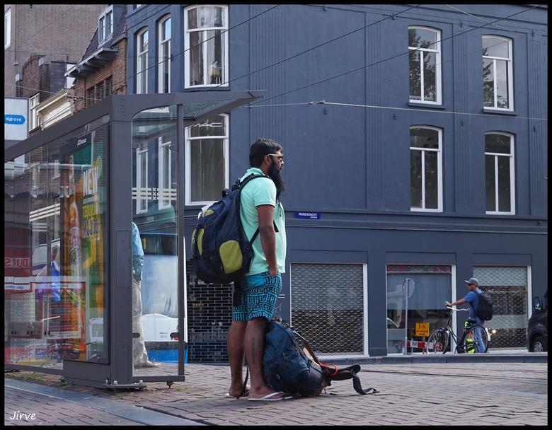 Wachten op....de Tram.