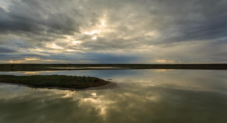 Texel landschap - Fraaie luchten gezien op Texel afgelopen week.<br /> Hier komt de weerspiegeling mooi uit vind ik zelf.