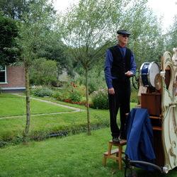 Orgeldraaier in openluchtmuseum
