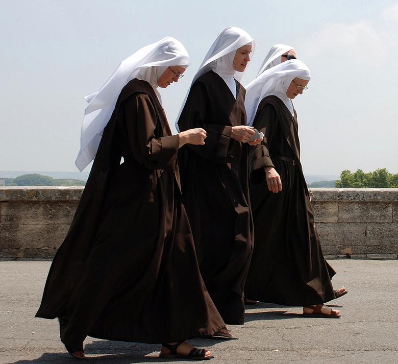 Nonnen in Avignon