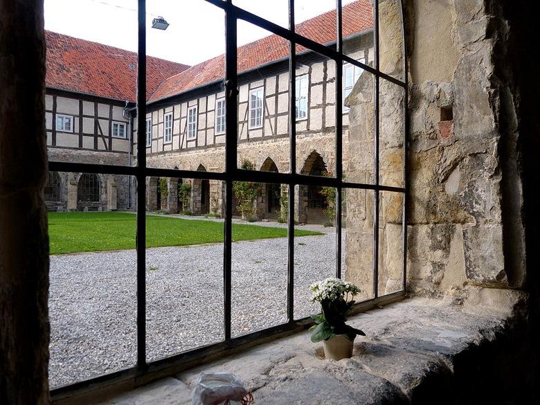 Klooster Michaelstein 13. - Binnenplaats klooster Michaelstein even buiten de plaats Blankenburg (Harz gebied) Duitsland.<br /> 21 september 2015.<br