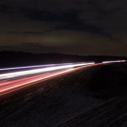 Snelweg bij nacht (A1)