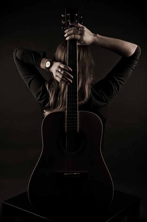 Eva Gitaar - afgelopen week een shoot met Eva en haar gitaar gedaan