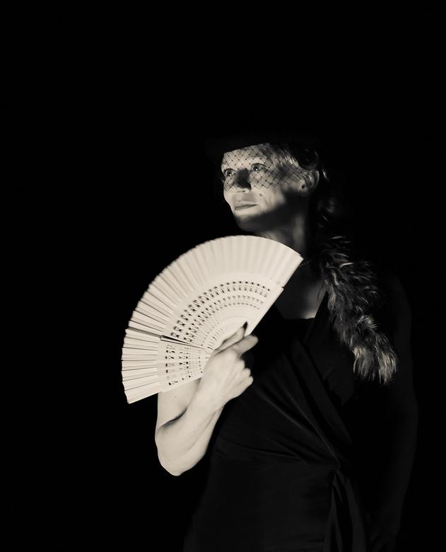 Drama! II - Genomen tijdens een theatervoorstelling met als thema film noir.