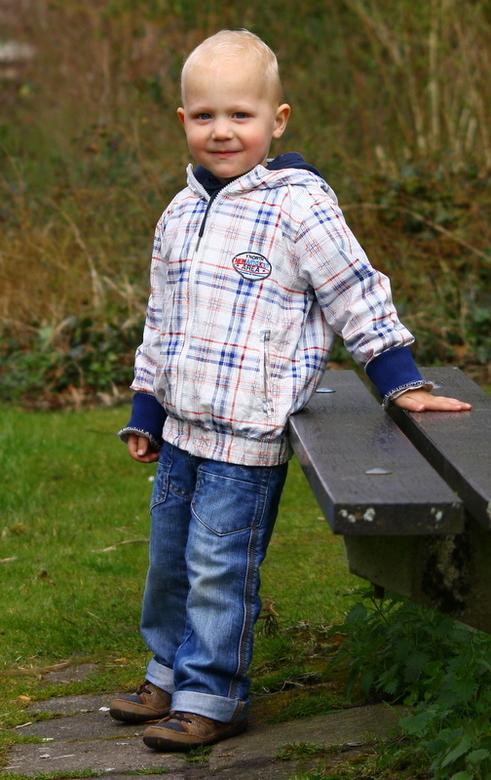 """Robin(L) - Mijn neefje Robin, zoontje van mijn zus<img  src=""""/images/smileys/smile.png""""/>..3 jaar<img  src=""""/images/smileys/love.png""""/><br /> <br />"""