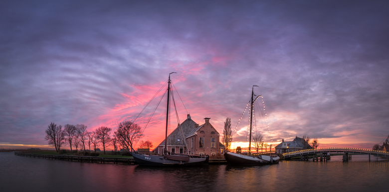Gaastermeer - De beste wensen voor 2020!<br /> <br /> Deze foto is gemaakt tijdens een prachtige zonsondergang bij Gaastermeer.