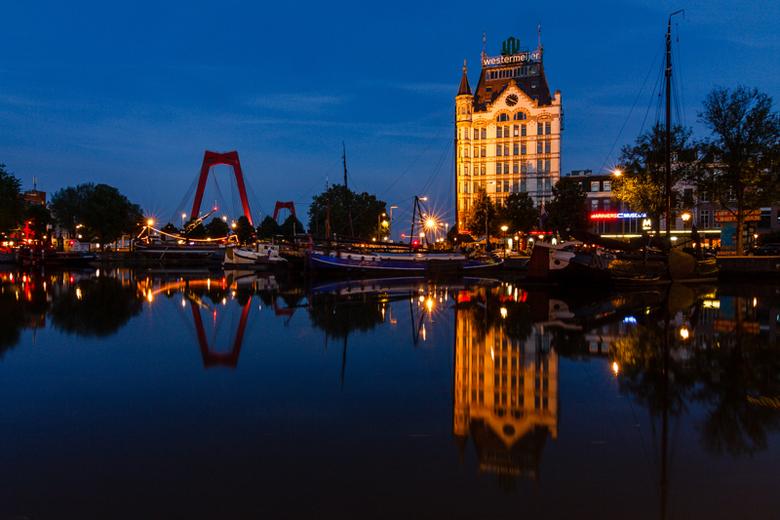 Een mooie avond (Oude Haven Rotterdam (bewerkt)) - Ik upload nogmaals de foto van de Oude Haven in Rotterdam. In deze versie heb ik, na suggestie van