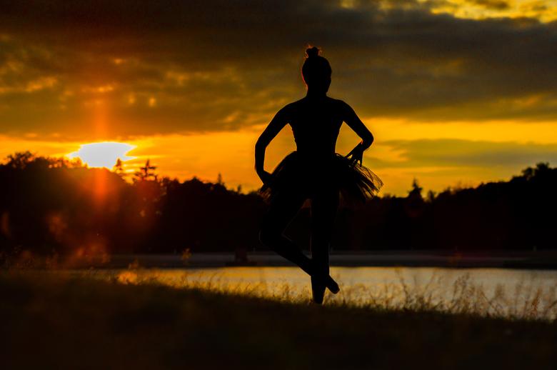 Ballet sunset - Ballet bij ondergaande zon
