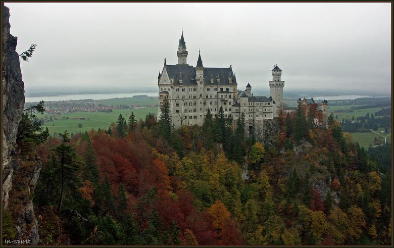 Neu-Schwanstein - Neu-Schwanstein is een van de drie Koningskastelen.<br /> Het ligt heel mooi in het dal van Schwangau.<br /> Onderweg naar Schwang